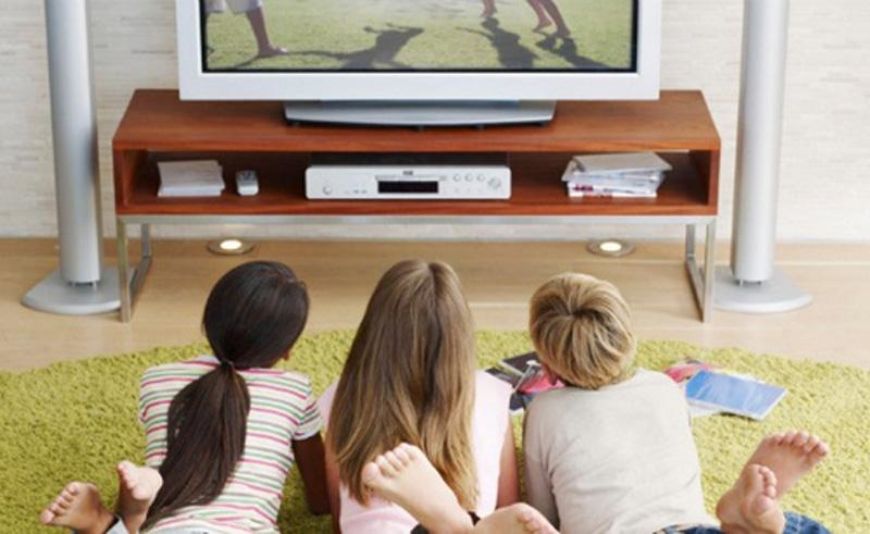 essays on television and children Children and television the children of america spend their time on many different activities one of the most time consuming activities is watching.